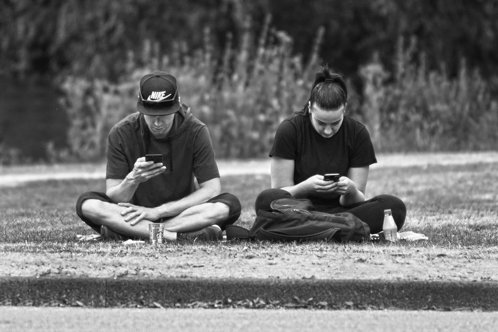 Mehr Internet, Social Media als Fernsehen und Printmedien!