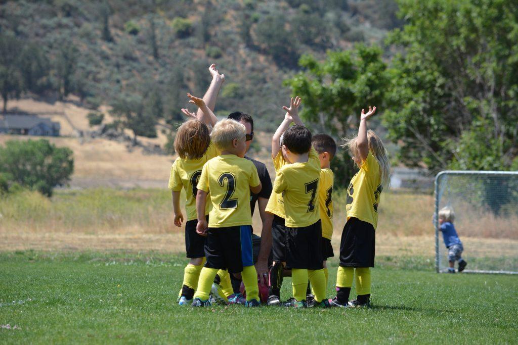 Junge Menschen beim so wichtigen Sport